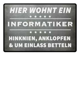 HIER WOHNT EIN INFORMATIKER - Fussmatte
