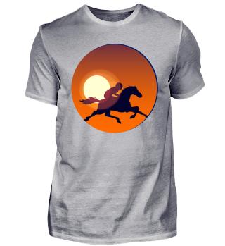 Pferdereiterin bei Sonnenuntergang