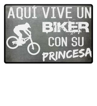 BIKER Y PRINCESA DOWNHILL MTB BICICLETA