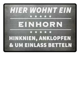 HIER WOHNT EIN EINHORN - Fussmatte