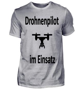 Drohnenpilot im Einsatz