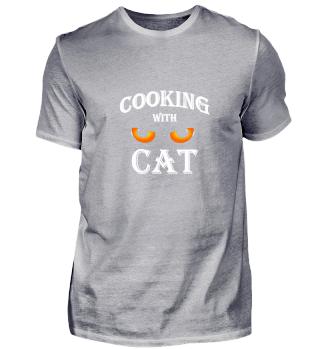 Cooking with cat. Kochen mit Katze.