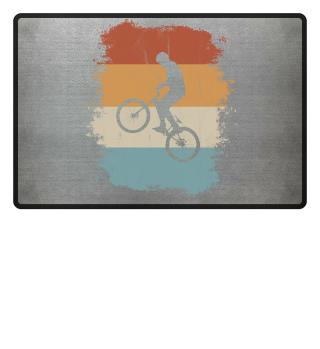 Retro Vintage Biking BMX-Biker Wheelie