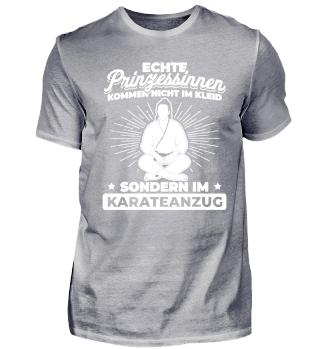 Prinzessinnen kommen im Karate Anzug!