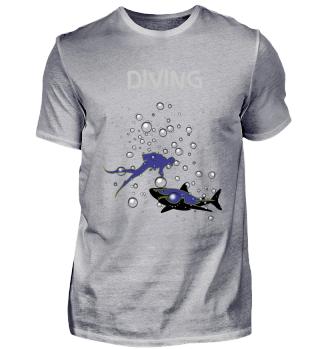 Taucher mit Hai und Wasserblasen, Diving