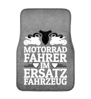 Motorradfahrer im Ersatzfahrzeug