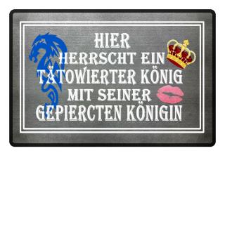 Tätowierter König & gepiercte Königin
