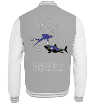 Taucher mit Hai, Wasserblasen, Diver