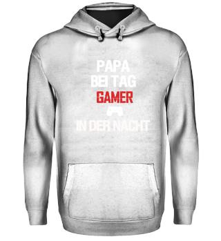 Papa bei Tag & Gamer in der Nacht Hoodie