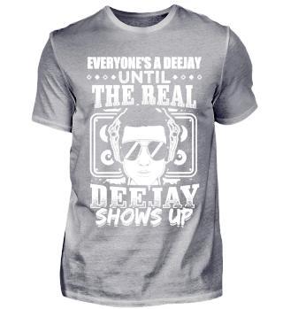DJ Everyone is a Deejay until