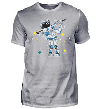 Astronaut spielt Golf im Weltraum