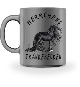 Herrchens Tränkebecken Friese Pferd