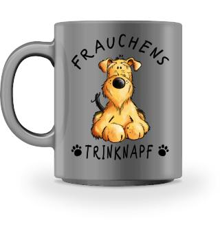 Frauchens Trinknapf Airedale Terrier